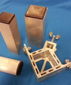 Hörnbeslag 40-60 mm inkl infästningsbult - Rapid